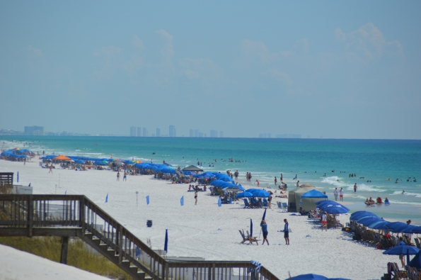 Beach facing east to Panama City